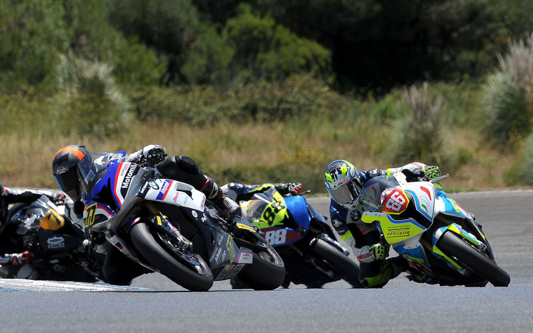 Alberto Serrano tightens the classification of the BMW RR Cup in Estoril